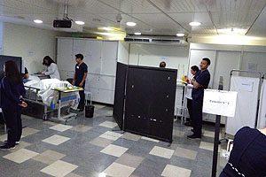 En la Sala de Habilidades Clínicas de Enfermería se instalaron algunas de las 15 estaciones.