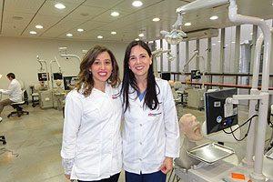 Dra. Giorgina Ferry y Dra. Macarena Venegas.