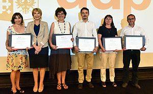 Laury Astudillo, Decana Yasna Carrión, Jacqueline Yuraszeck, Gonzalo Leiva, Rita Alay y Alan Martínez.
