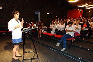 Dra. Carmen Julia Rosales, Secretaria de Estudios de la Escuela de Odontología UDP.