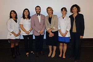 Dra. Mónica Espinoza, Dra. Geraldine Vives, Dr. Marcelo Navia, Decana Yasna Carrión, Dra. Carmen Julia Rosales y Andrea Marín, Directora General de Administración Académica.