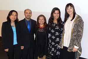 De izq. a derecha: Patricia Petit-Breuilh, Secretaria de Estudios; Jesús Fernández; Julieta Aránguiz; Directora Mimy Mayol y Paola Osenga, Secretaria Académica.