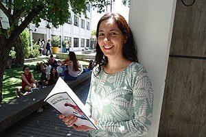 "Dra. Natalia Arancibia, autora de ""Ayiti Haiti. Mis días en Haití"" (RIL Editores)."
