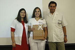 Javiera Mura, estudiante de 4° año, quien se adjudicó dos premios.