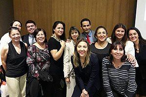 Equipo Directivo de la Escuela de Enfermería UDP junto con docentes de la carrera.